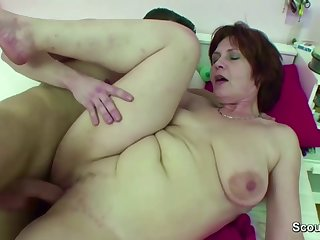 Mom caught her boy handjob and helps with happy end