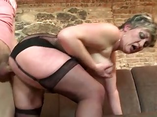 Mature mom suck and fuck young boy's cock